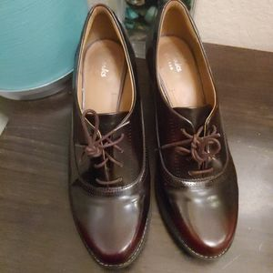 Clark's shoes size 6 lace up heels